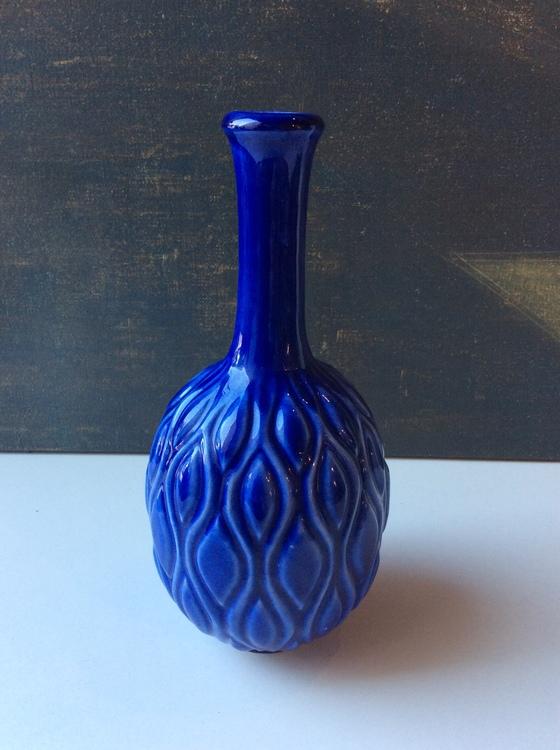 blue vase 798