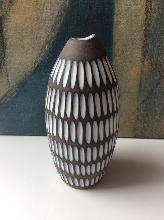 Negro vase 2132