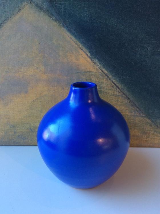 VL Blue vase 631