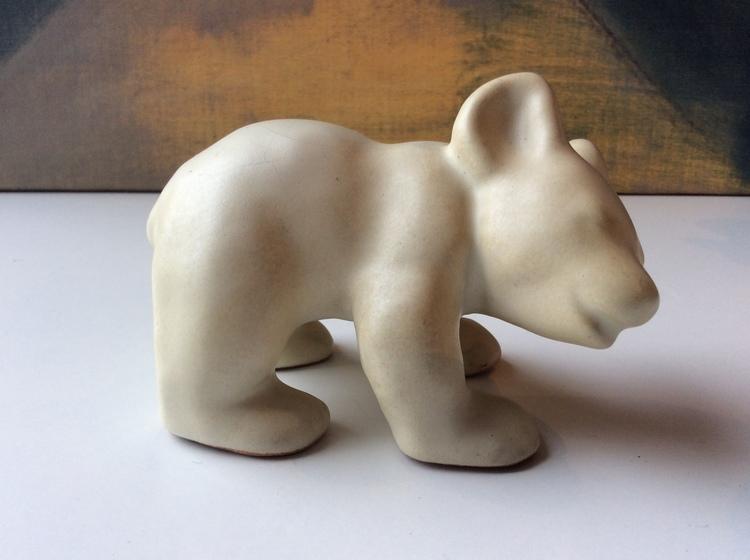 Bear figure 2 matte white