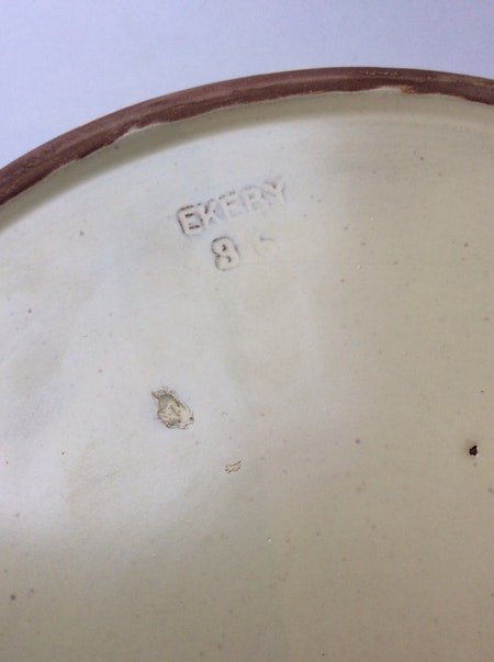 Yellow ashtray 36 with bear 2