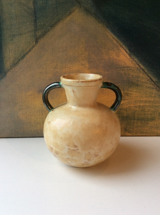 Yellowish/green vase 97
