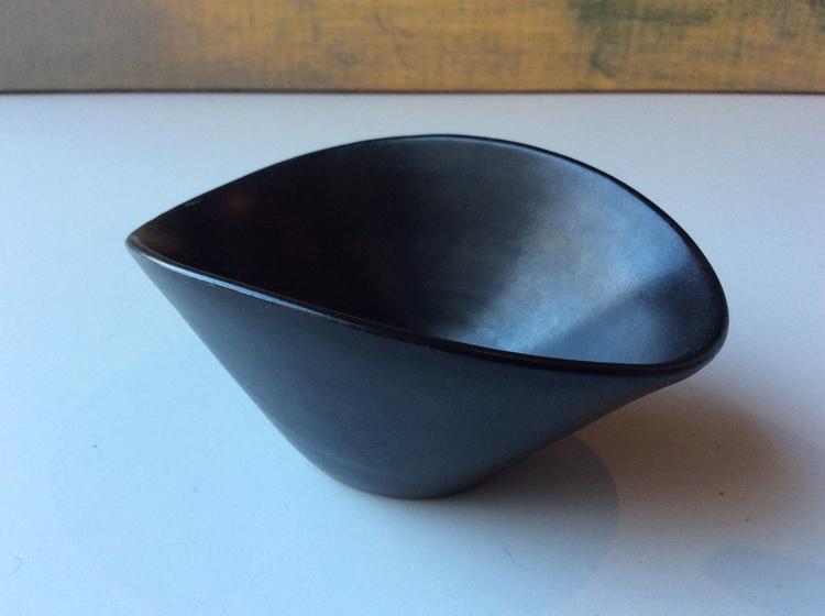 VG black bowl 348