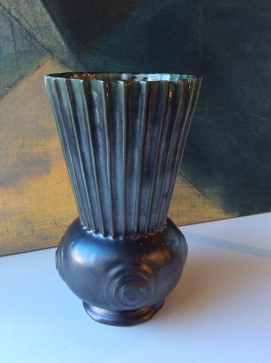 Green vase 3032/2
