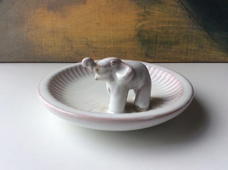 White bowl with elephant