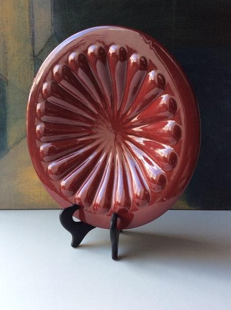Dark red bowl 382