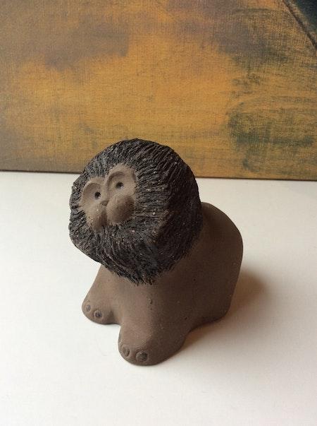 Lion figure 3034G