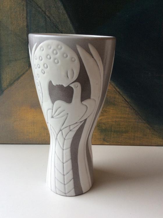 Athene vase 1046