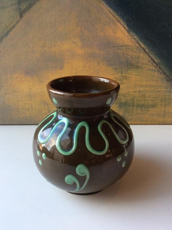 Brown/grenn vase 46