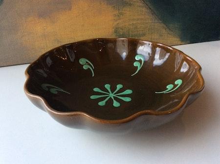 Brown/green bowl 10