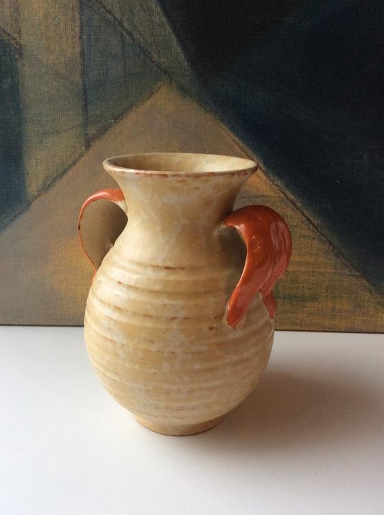 Yellowish vase 187