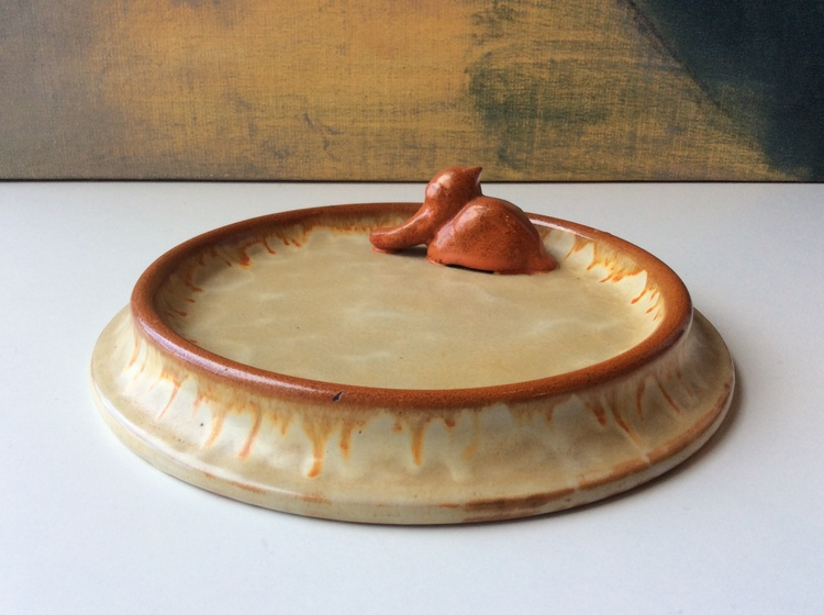 Bowl with a duck