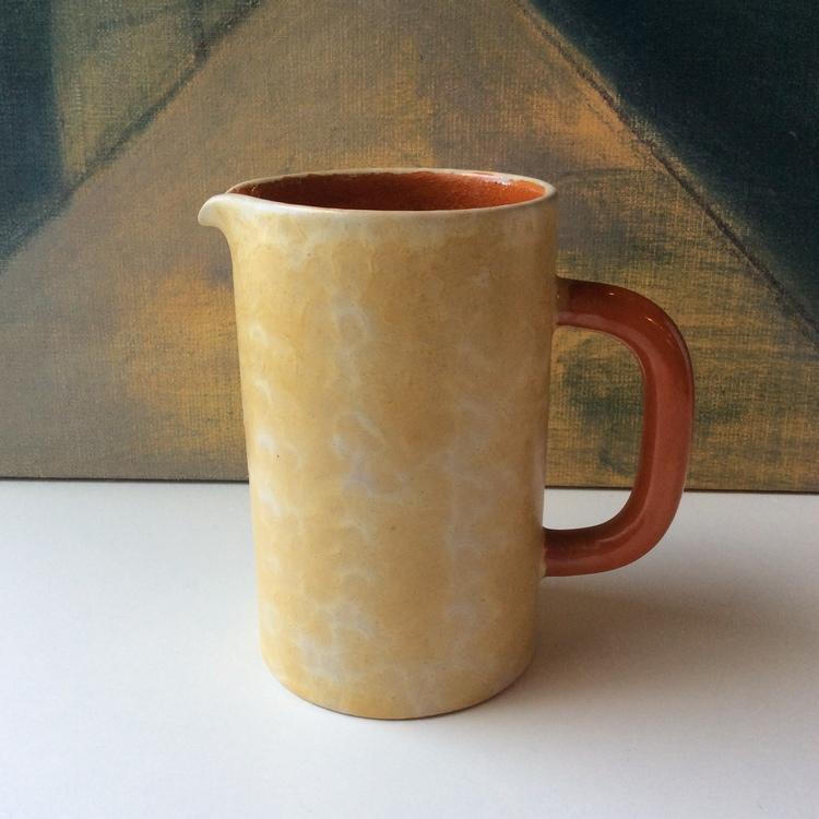 Yellowish pitcher 3133