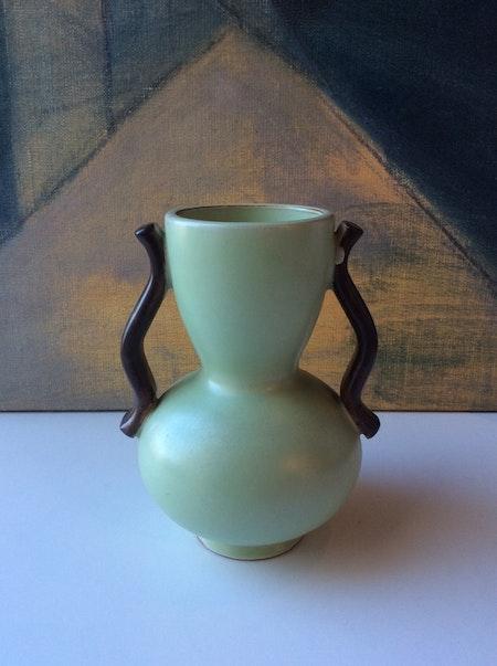 Green vase 282