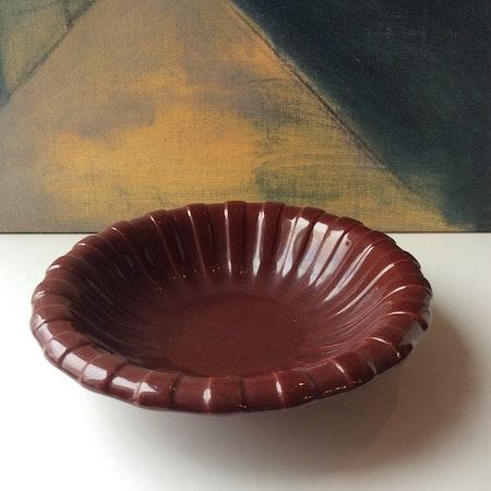 Dark red bowl 221