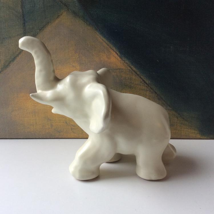 White elephant 104