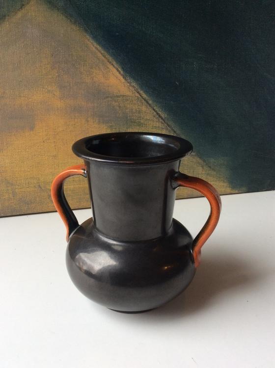 Black/orange vase 3142