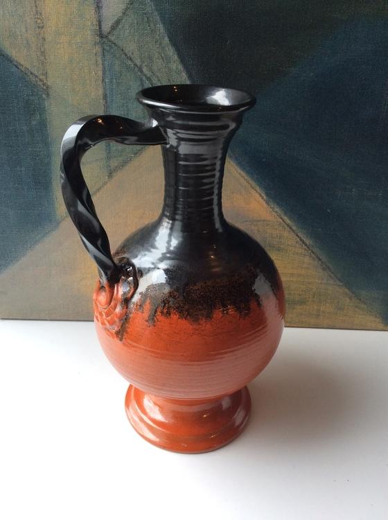 Orange/black vase 1592