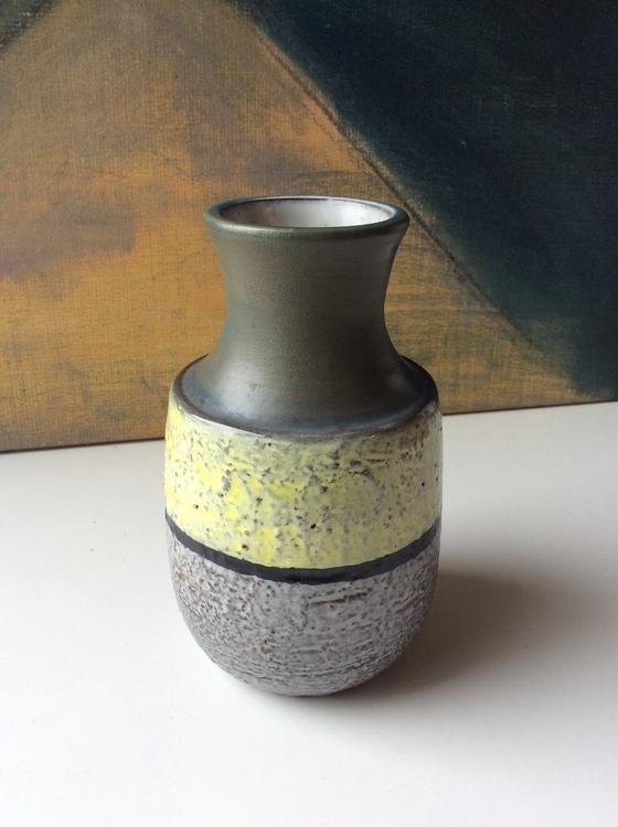 Lady vase 9052M