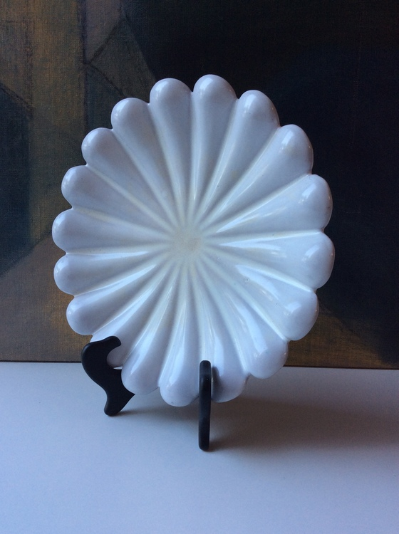 White bowl 188