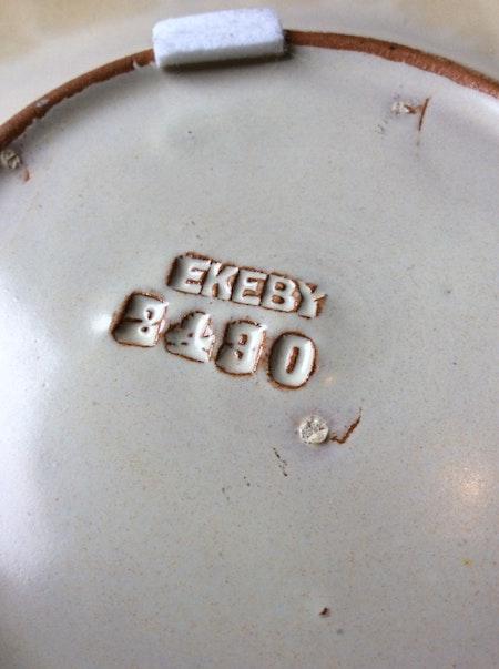 Yellowish/brown plate 2430