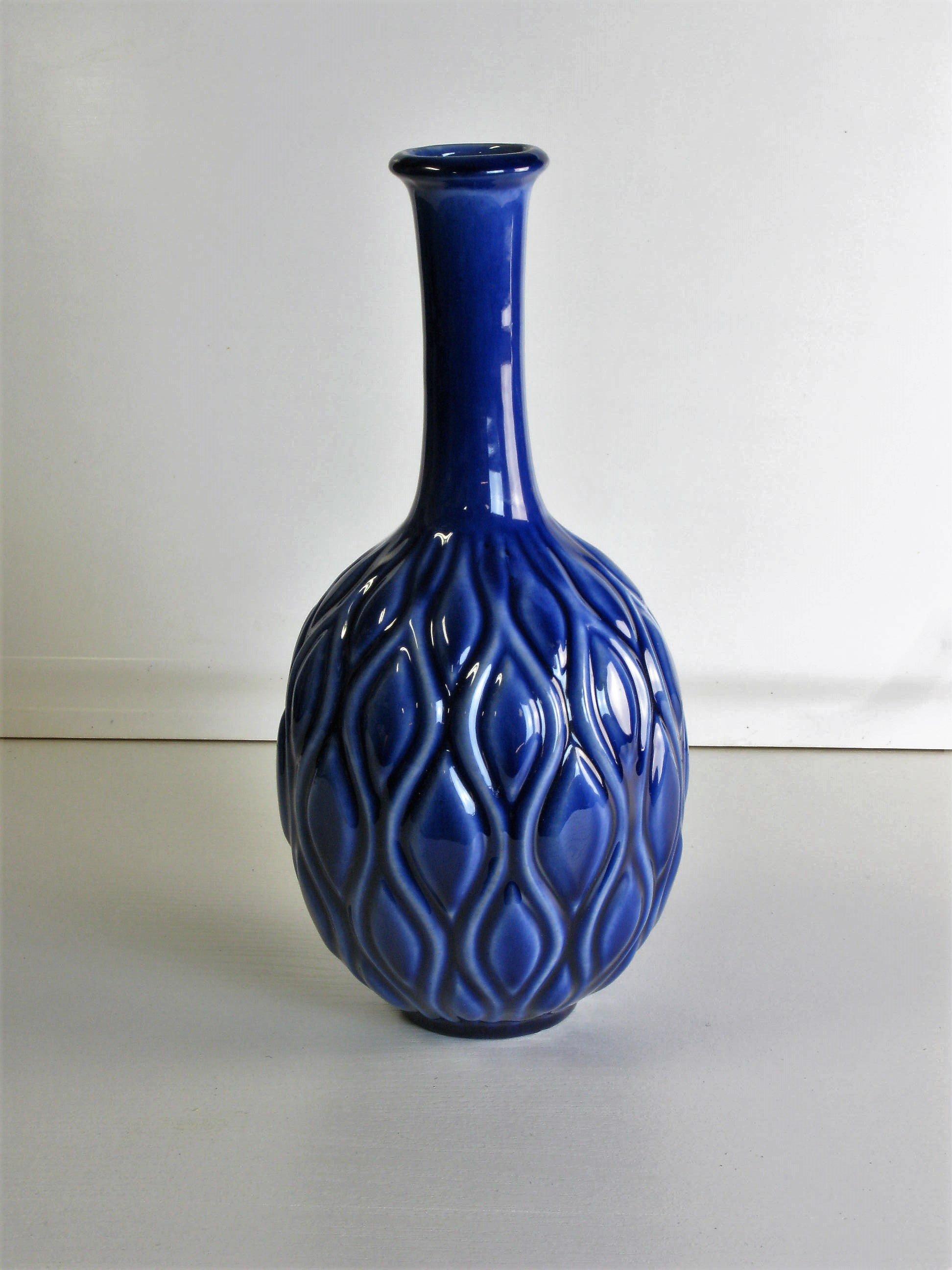 Blue vase 799
