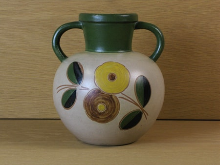 Vase 98 with flowers