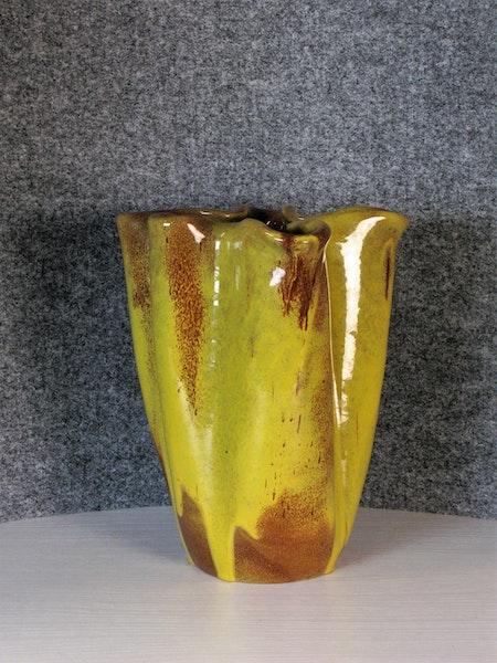 Yellow vase 341