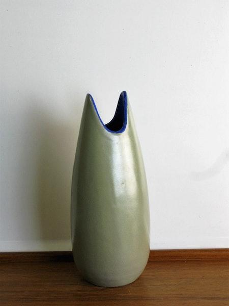 Grey vase 796