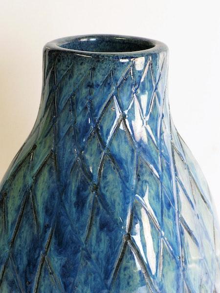 blue/green fishnet vase 625