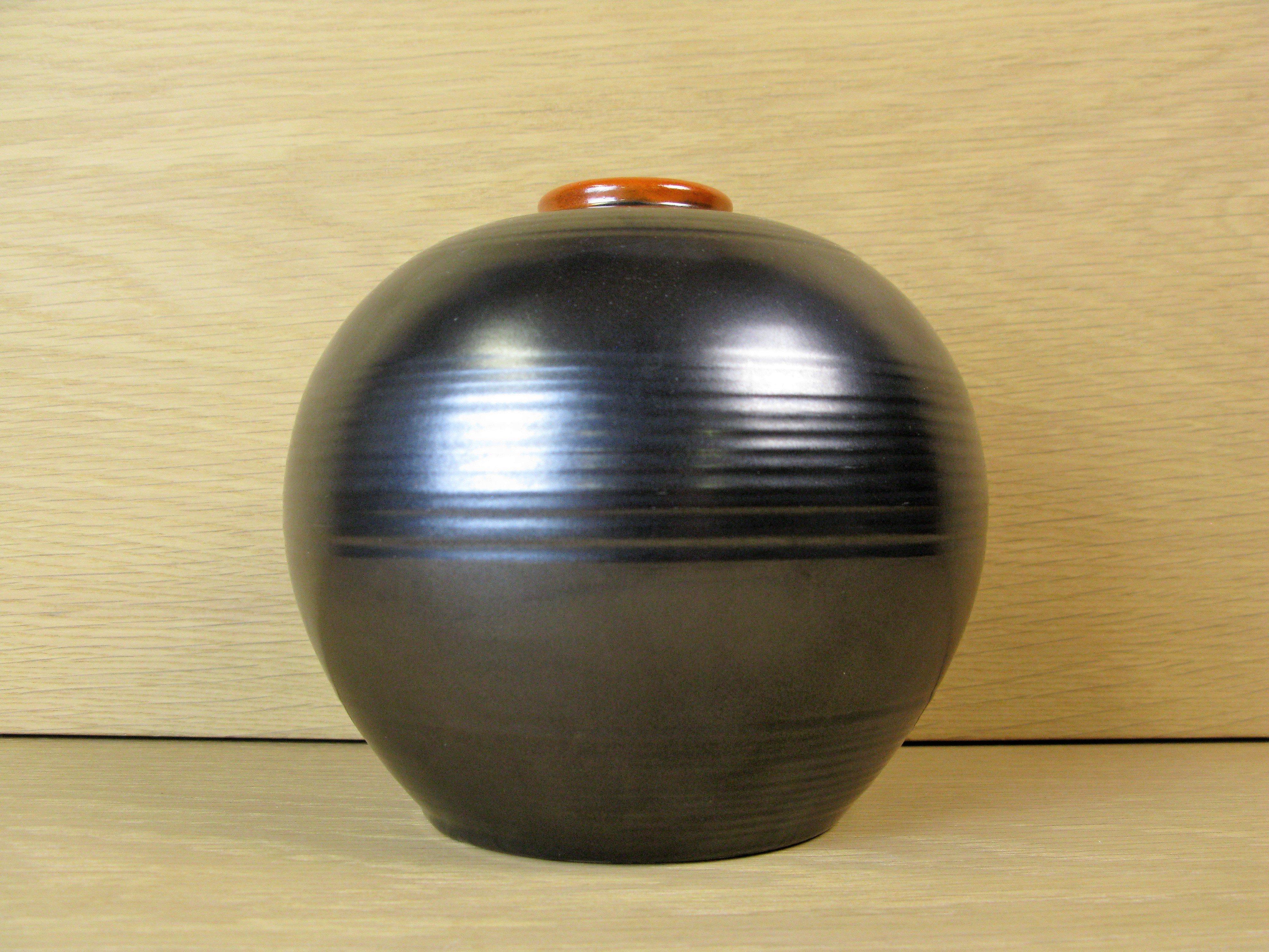 black & orange vase 3156
