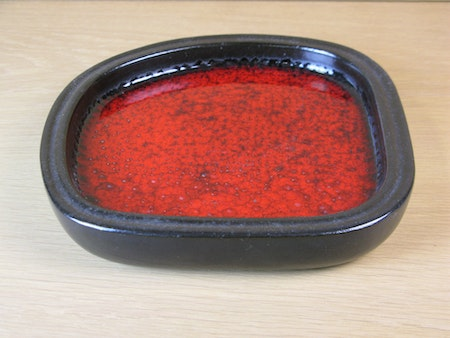 red bowl 0165m