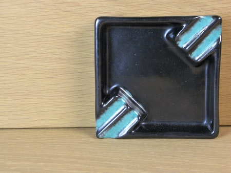 Black ashtray 2678