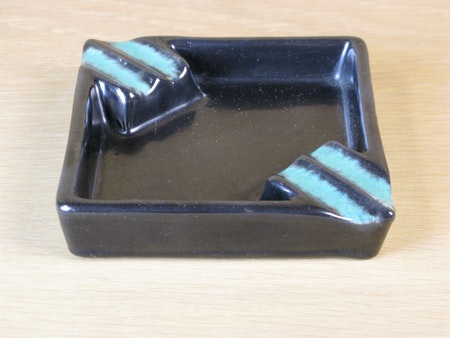 Black ashtray 2678