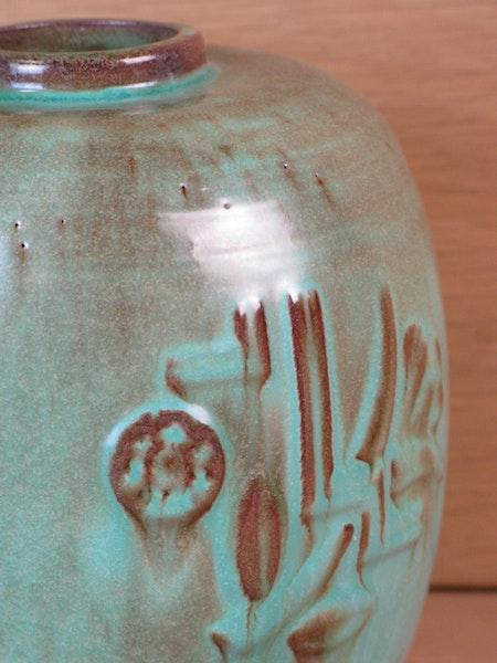 green vase k3