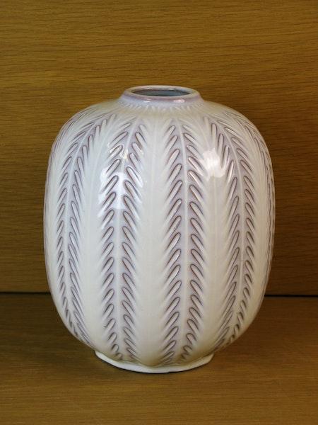 white fishbone vase 23