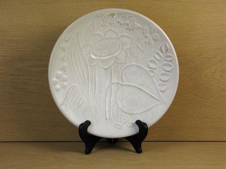 white relief bowl 124