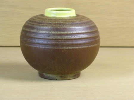 brown vase with yellow edge 3286