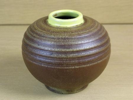 brown vase with yellow edge 3286