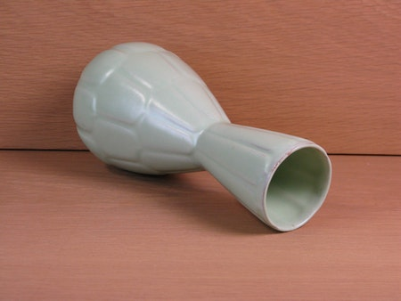 light green capri vase 647
