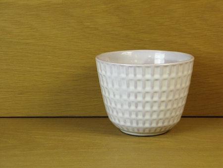 gunilla white flowerpot 3