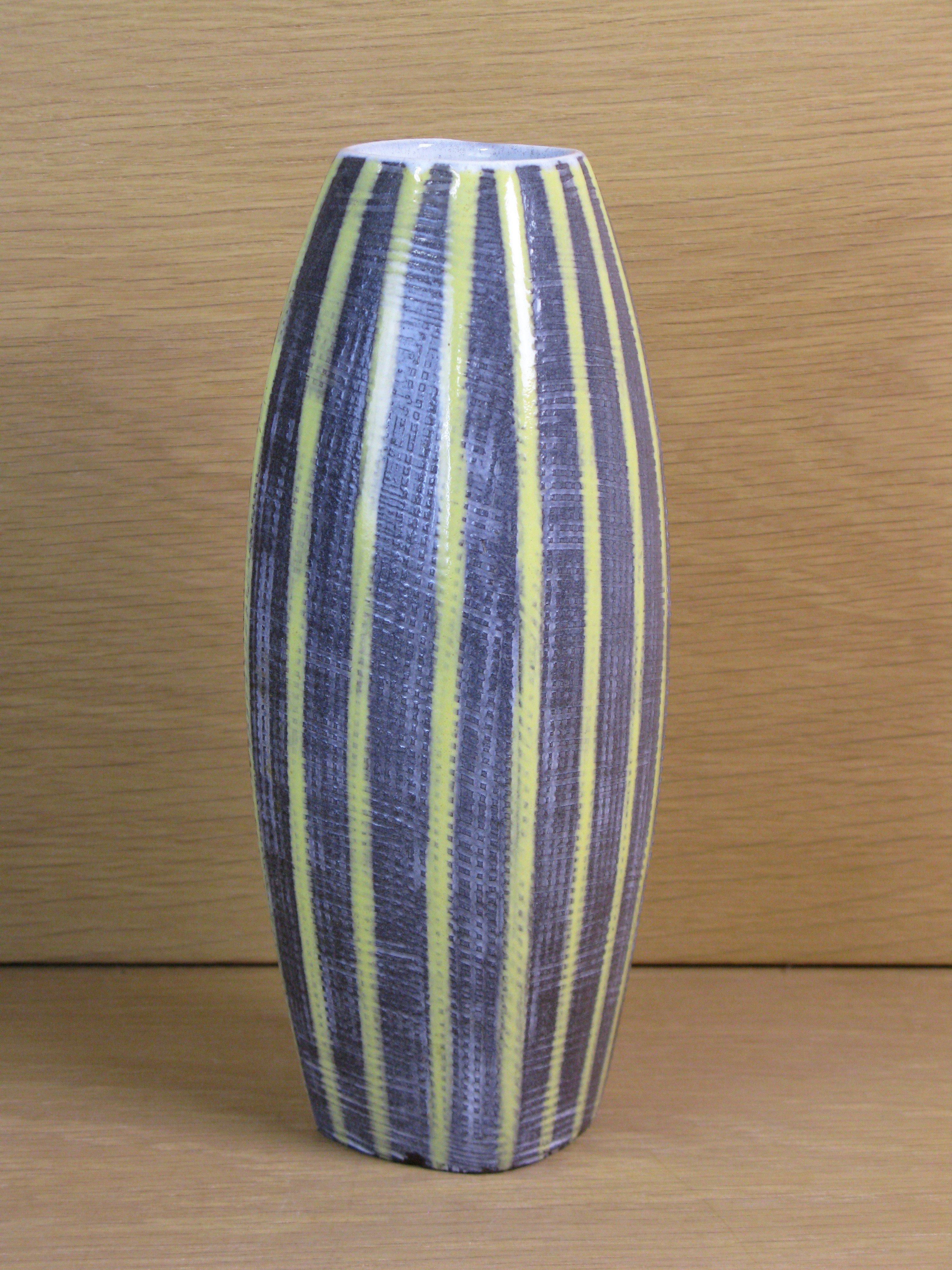 presenta striped vase 2226