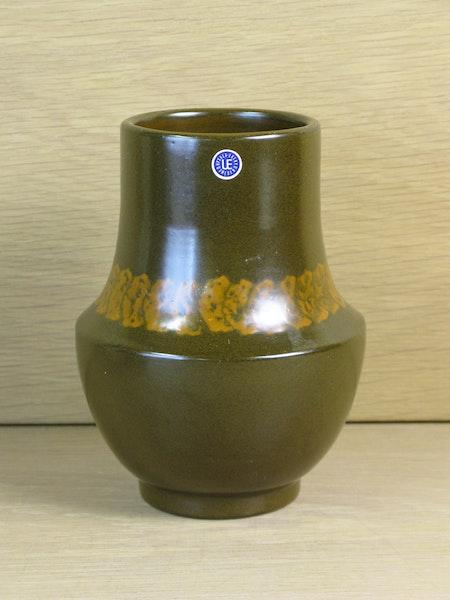 brown vase 2029