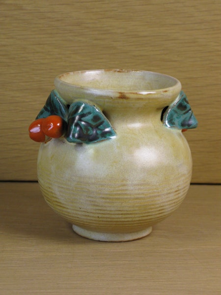 berry vase 222