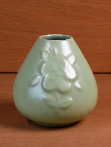 green vase 277