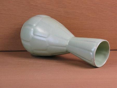capri light green vase 647