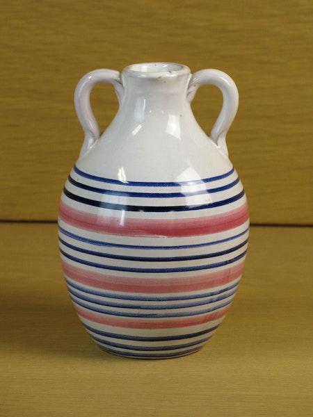 tricolor vase 642
