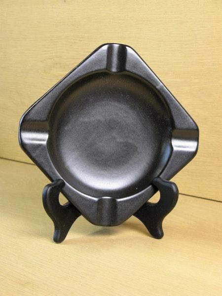 black ashtray 1