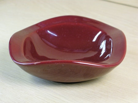 burgundy ashtray 58