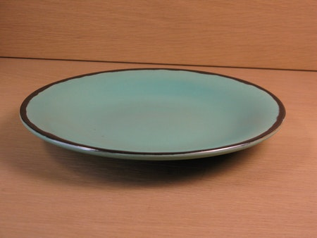yellowish/green small plate 1